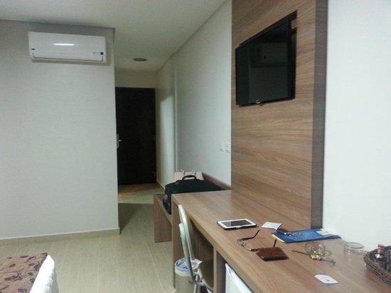 Foz Presidente Hotel: Suíte (vista para saída)