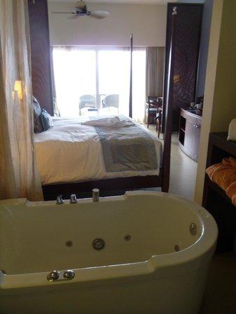 Secrets St. James Montego Bay: Room