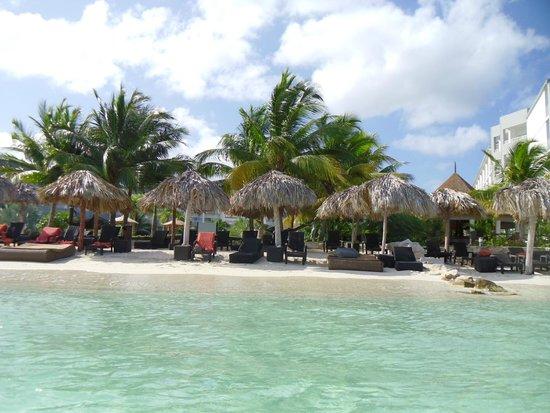 Secrets St. James Montego Bay: View of Beach