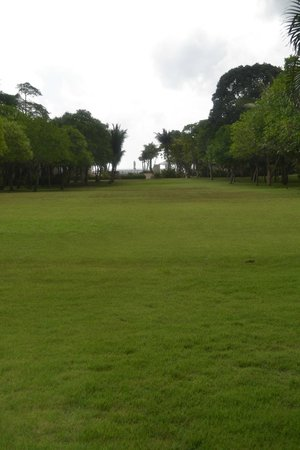 Layana Resort and Spa: Open ground