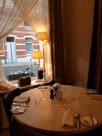 Cachet de Cire: Very nice for family or couples