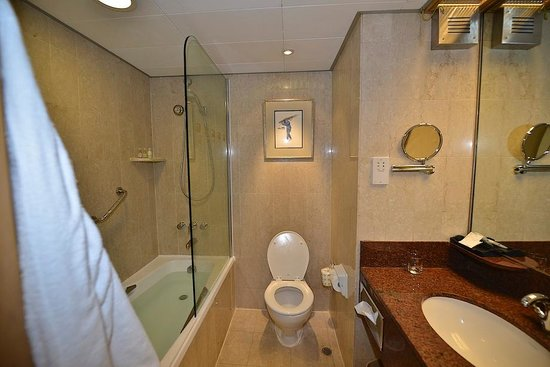 The Excelsior, Hong Kong: The Rest Room