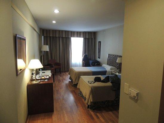 Hotel NH Buenos Aires Latino : Amplias, confortables, silenciosas
