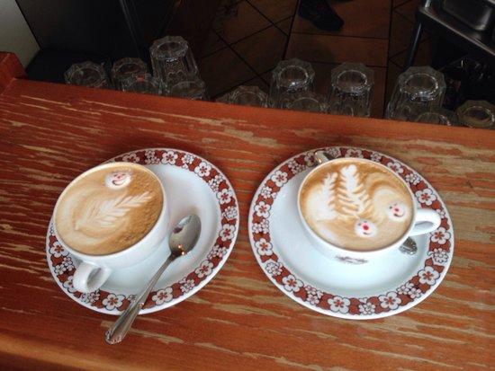 KaffeeKlatsch: Schönster und bester Milchkaffee