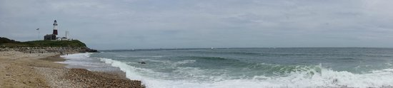 Montauk Point Lighthouse: Panorama view from the beach