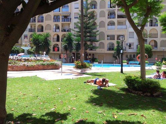 Hostal Jomarijo: Pool view !