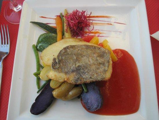Brasserie Belvedere: La fara di lago con le patate viola