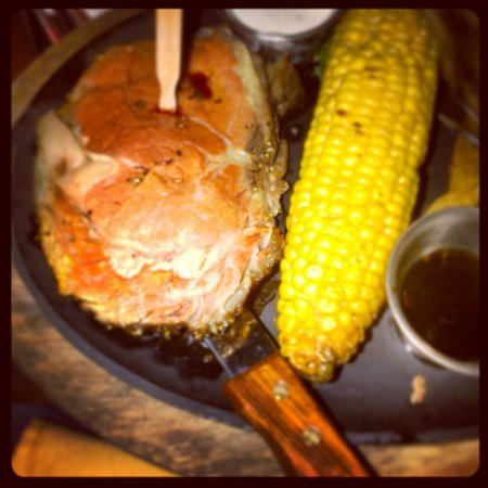 H3 Ranch : Prime rib off the wood grill