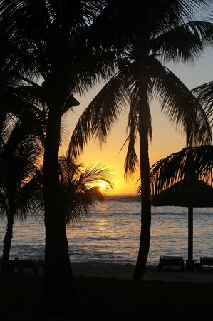 Beachcomber Dinarobin Hotel Golf & Spa: magnifique couché de soleil