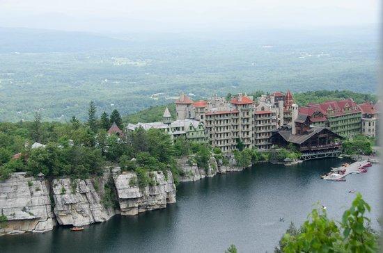 Mohonk Mountain House : Vista da montanha.