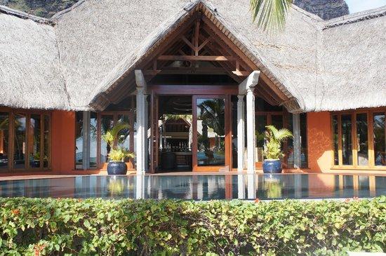 Beachcomber Dinarobin Hotel Golf & Spa: bar de l'hotel