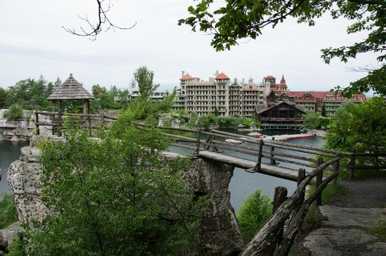Mohonk Mountain House: View from the mountain.