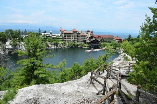Mohonk Mountain House: Vista da montanha,