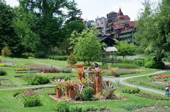 Mohonk Mountain House: Gardens.