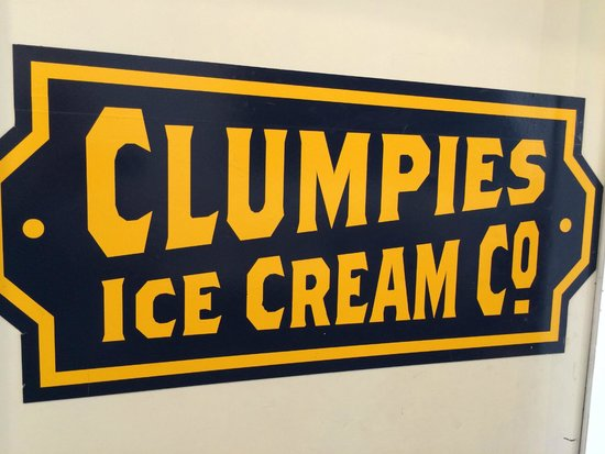 Clumpies Ice Cream Co.: Clumpie's sign