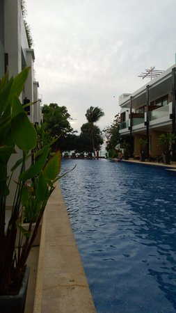 "La Flora Resort Patong: Room with ""pool access"" semi private pool"
