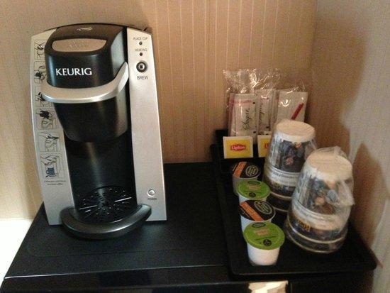 Best Western Plus Suites Hotel: café, thé à dispo dans la chambre
