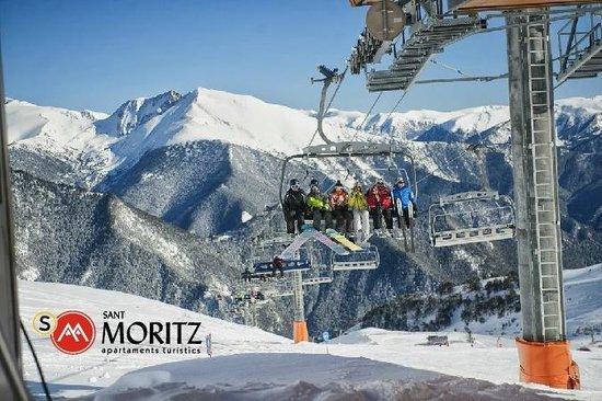 Sant Moritz Apartments: Estación ski Arinsal