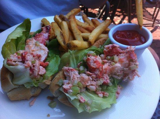 Solas Pub: Lobster Roll