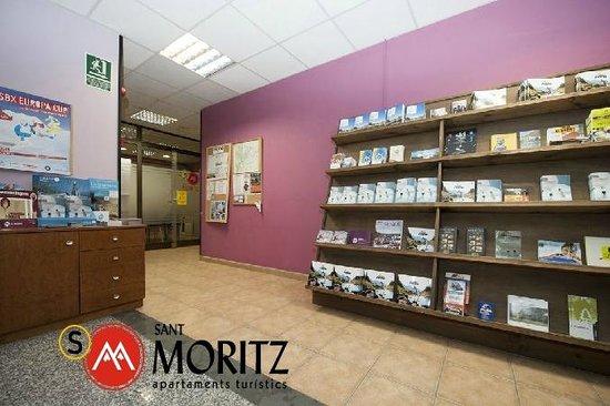 Sant Moritz Apartments: Lobby recepción Sant Moritz