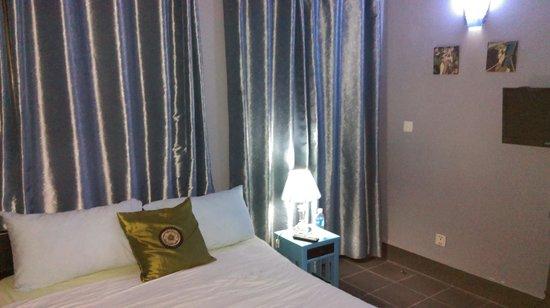 '84 Hotel : Room No. 8