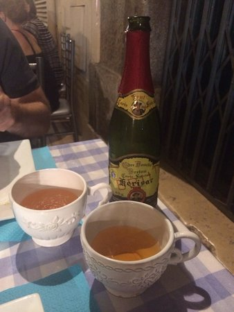Fleur de Sel : Cider served in teacups! I quizzed them as to why so that it could include it in my blog review.