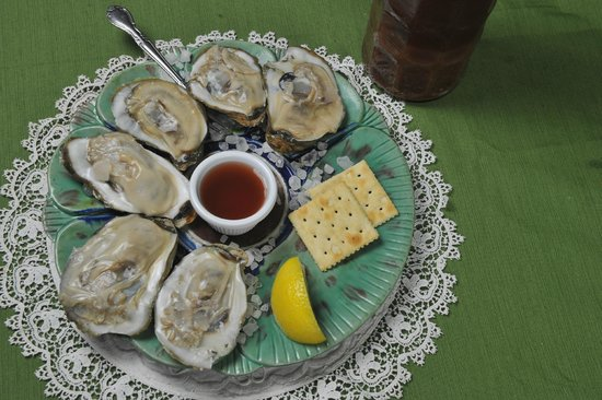 Stoudt's Black Angus Restaurant & Brew Pub : Oysters on the half shell