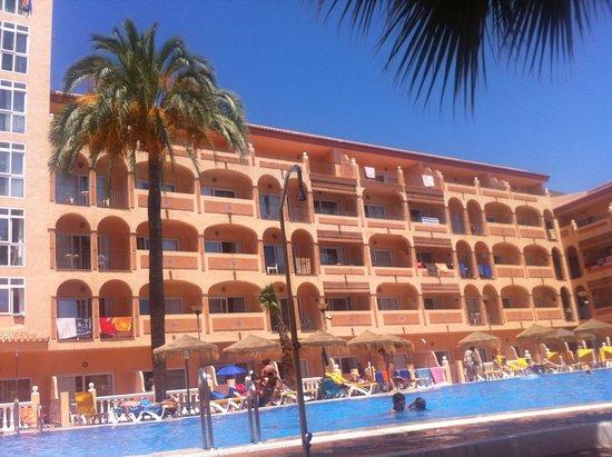 HOTEL BAHIA TROPICAL: PISCINA