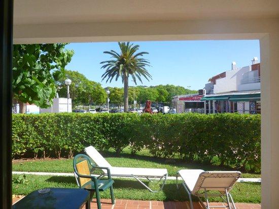 Hotel Cala Galdana & Villas d'Aljandar: View from villa terrace towards shops