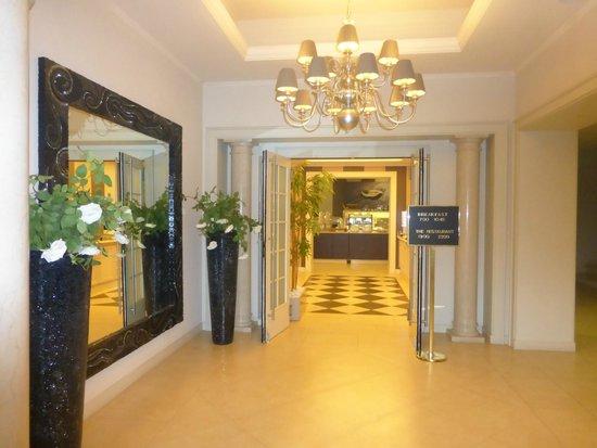 Villa Rosa Hotel: Entrance