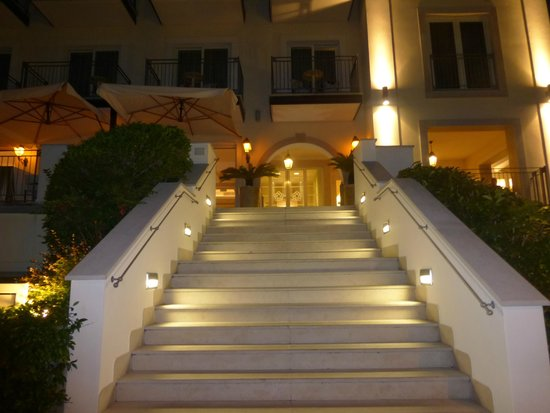 Villa Rosa Hotel: Entance