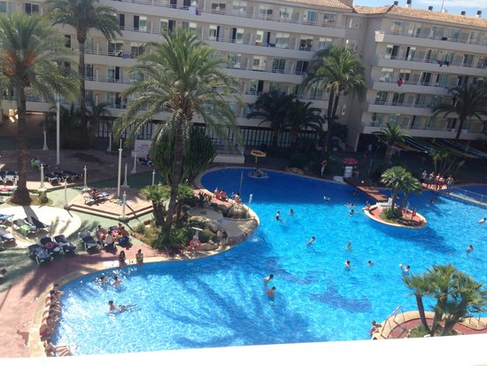 BCM Hotel: Pool from balcony