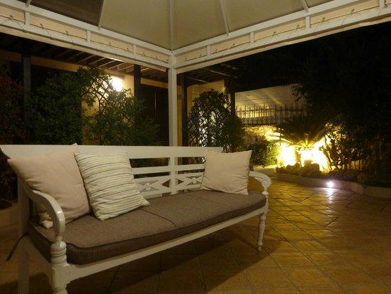 Villa Esperia Palermo: Внутренний дворик отеля