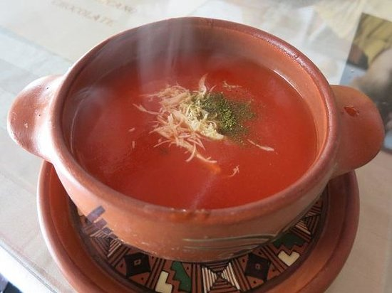 La Nusta: トマトスープ