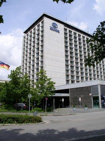 Hilton Park München: Außenansicht