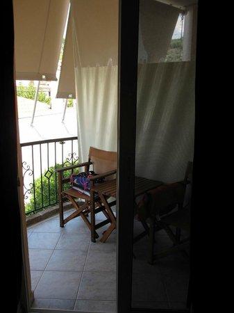 Eviali Apartments: Balcon