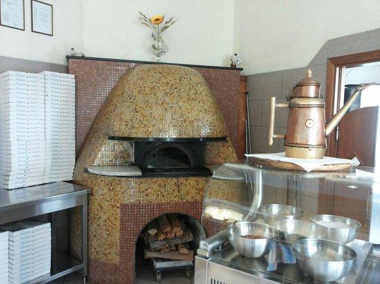Pizzeria Il Girasole: Il forno