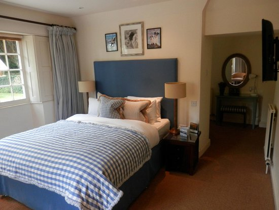 The Hare and Hounds Hotel: Our room #41
