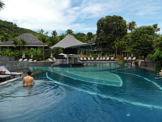 Mandarava Resort and Spa: Poolbereich mit Poolbar