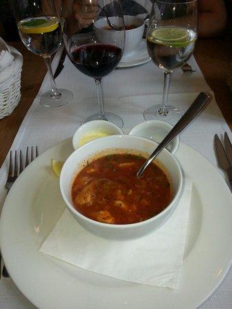 Pimiento Restaurant : Zupa rybna. Mniam mniam.