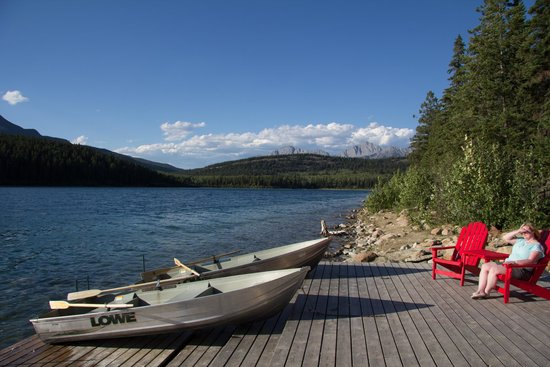 Patricia Lake Bungalows Resort: The dock