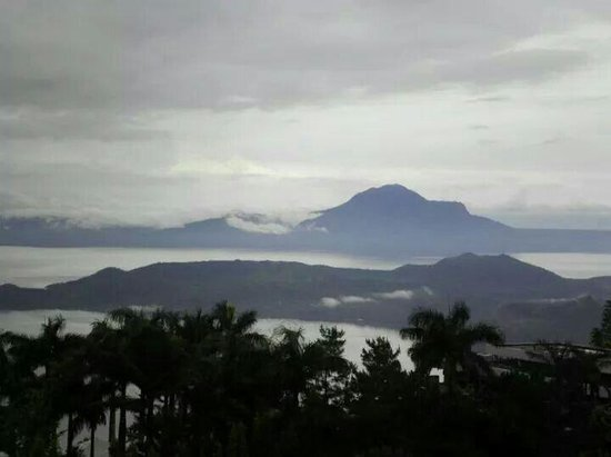 Summit Ridge Tagaytay: Superb View