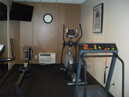 BEST WESTERN The Inn at the Fairgrounds : small gym