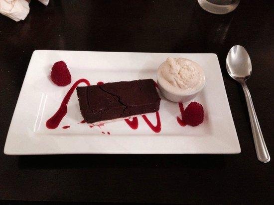 The Royal Oak Village Pub & Kitchen: Chocolate tarte, was yummy though the menu said it came with raspberry sorbet