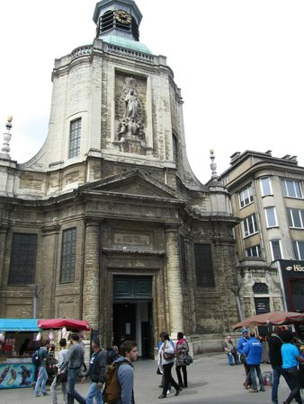 Photo of Church Onze-Lieve-Vrouw ter Finisterraekerk at Rue Neuve 74, Brussels 1000, Belgium