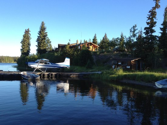 Stewart's Lodge & Camps : Early morning on Nimpo Lake