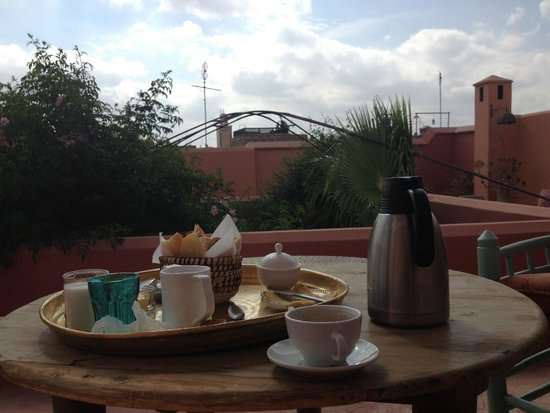 Dar Malak : breakfast on the roof