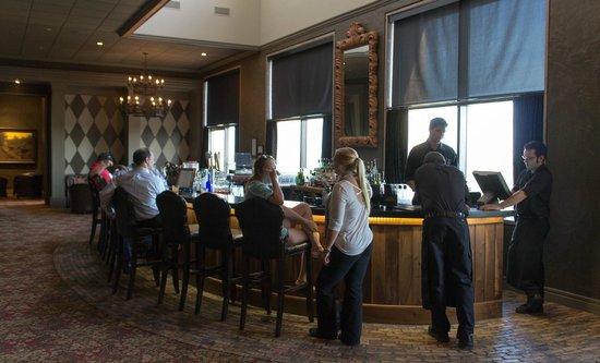 The Sendera: Vibrant bar scene