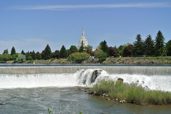 Snake River Greenbelt: Falls with Temple in background