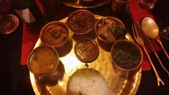 Kathmandu : Plat : poulet, agneau, épinards, chou